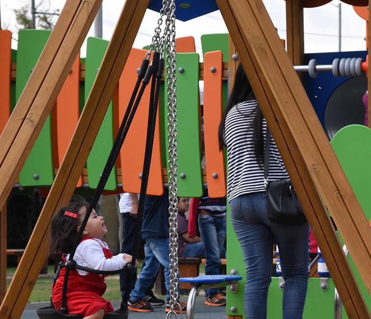Parque infantil La Cabaña de Alpina LYD ONLINE Bogota Colombia