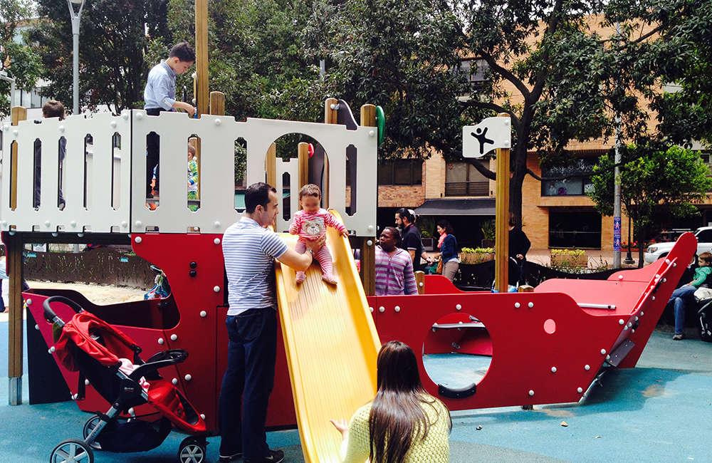 Parque infantil Parque de la 93 Bogota Colombia