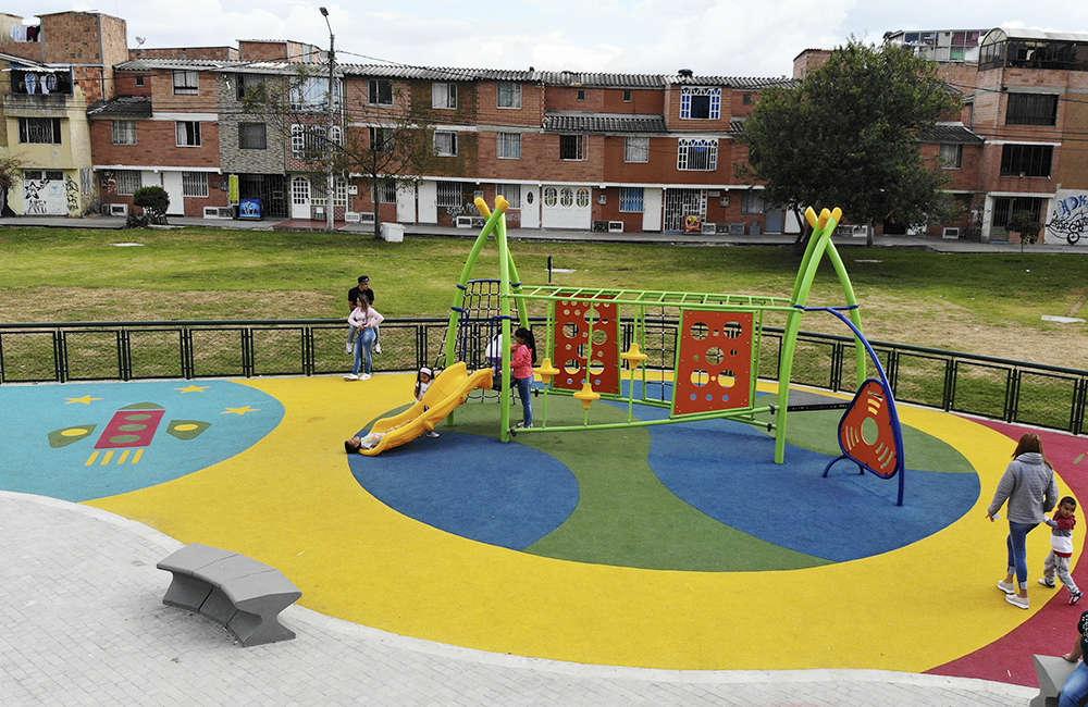 Parque-infantil-Santiago-Atalayas-BOGOTA-Juego-CIRCUITO