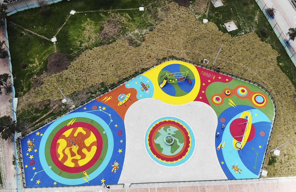 Parque-infantil-Santiago-Atalayas-Bogota-Colombia-piso-de-caucho-EPDM-2