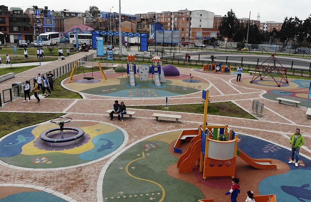 Parque-zonal-gilma-jimenez-juegos-infantiles-Bogota-Colombia-GALOPIN-BERLINER
