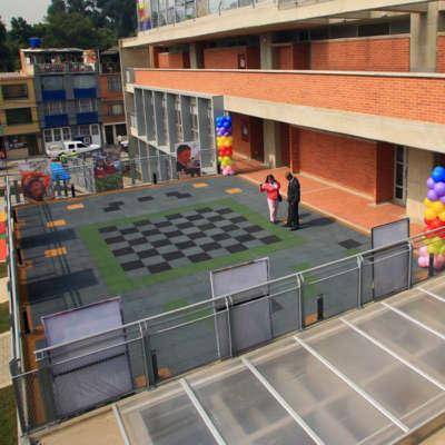 Colegio-jackeline-bogota-losetas-caucho-piso-infantil