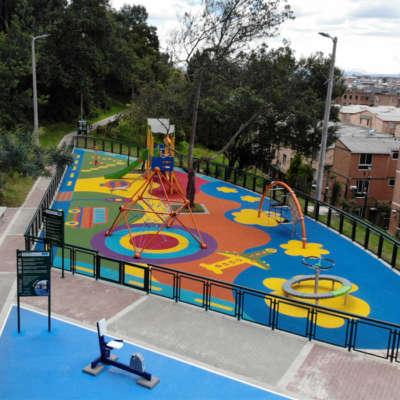 Parque-infantil-TABOR-suba-bogota-juegos-piso-caucho