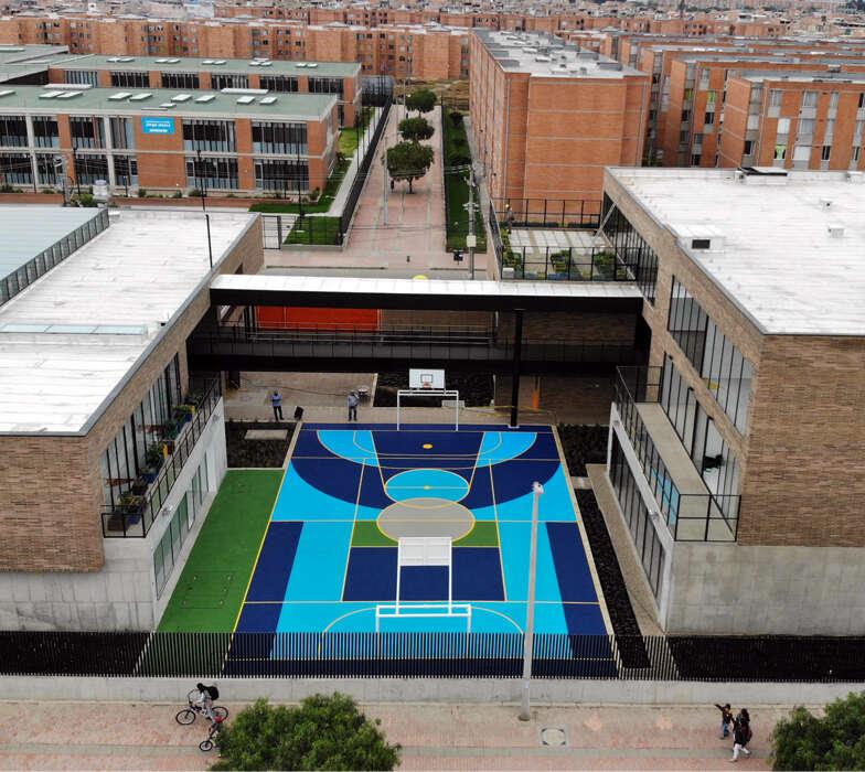 Parque-infantil-jardin-recreo-piso-caucho-epdm-cancha-multideporte-bogota