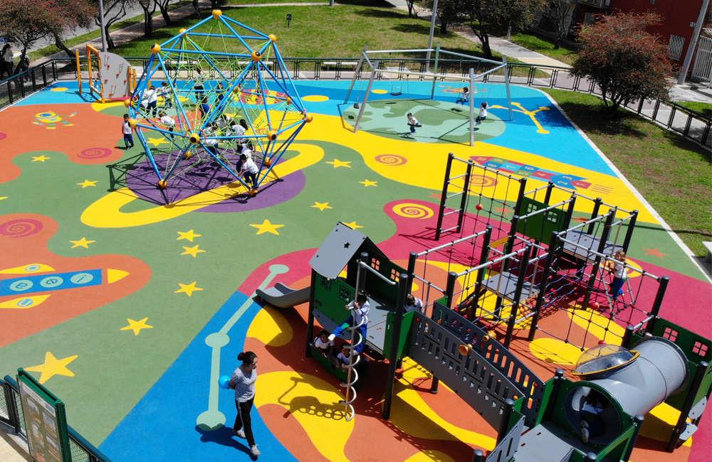 Parque-infantil-lombardia-suba-bogota-juegos-piso-caucho