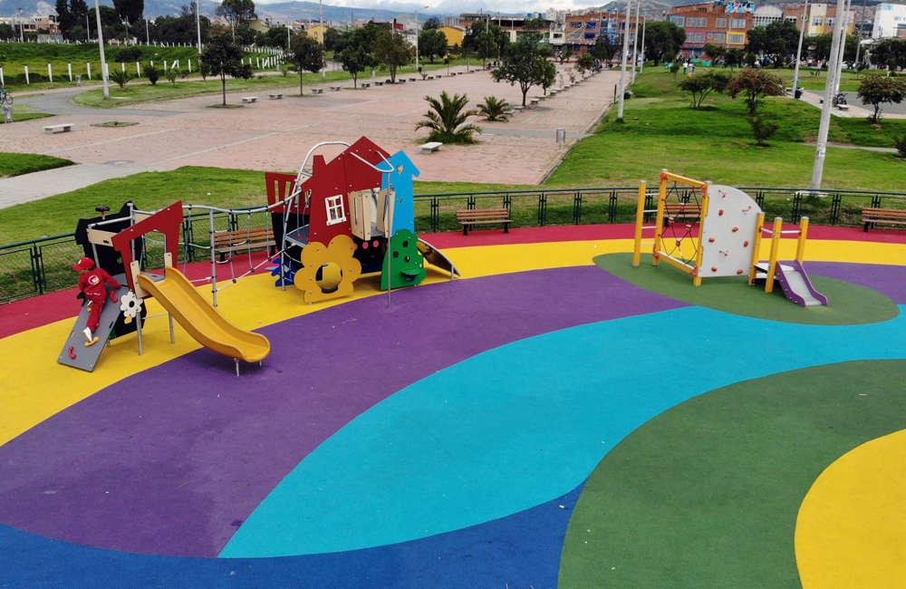 Parque-infantil-villa-del-rio-bogota-piso-caucho-juegos-casa-oceano-MSC6405-c203al