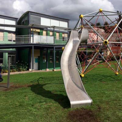 colegio-alcaparros-parque-infantil-red-escalar-bogota-berliner