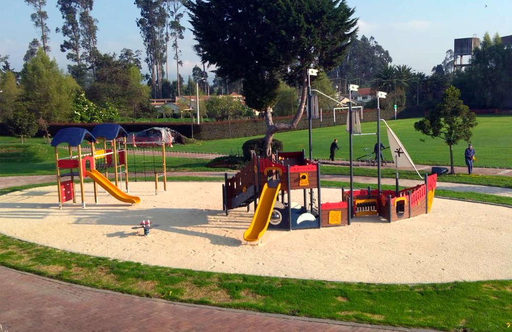 parque-infantil-colegio-vermont-kompan-barco-pirata-bogota